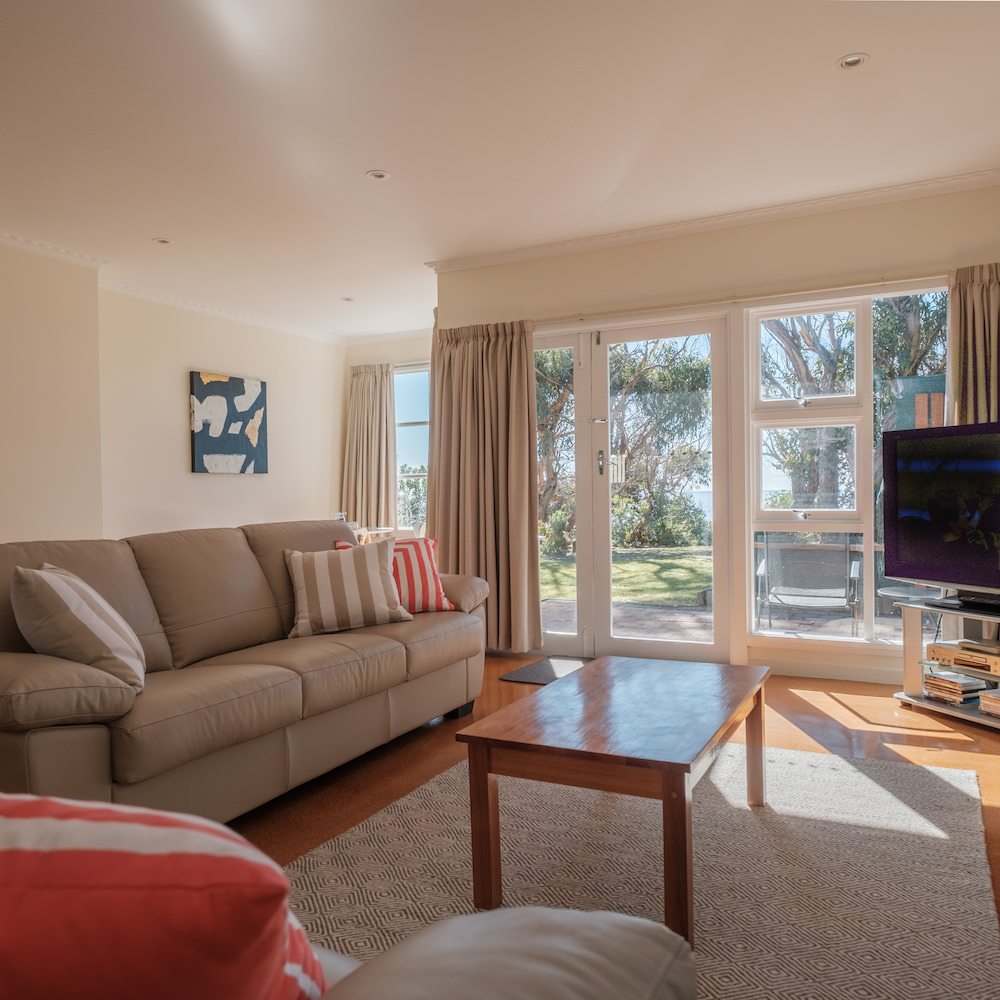 Cod Rock Point, Grea Eastern Drive, Holiday Accommodation